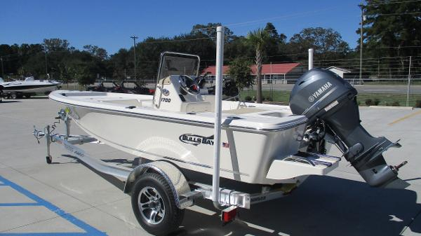 2021 Bulls Bay boat for sale, model of the boat is 1700 & Image # 6 of 31