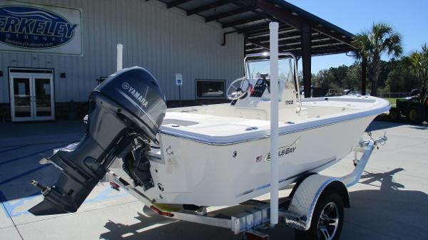 2021 Bulls Bay boat for sale, model of the boat is 1700 & Image # 5 of 31