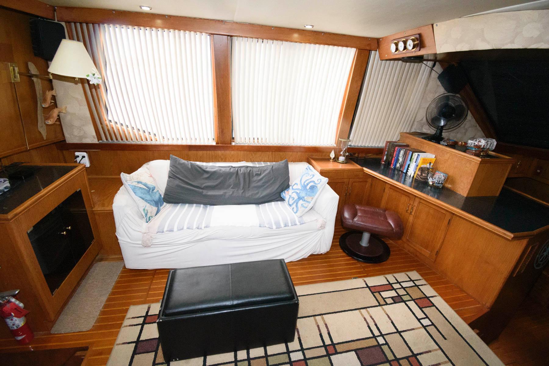 M 6146 JB Knot 10 Yacht Sales