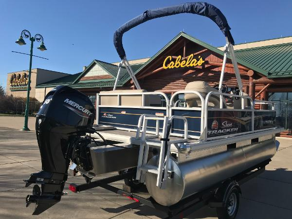 2021 Sun Tracker boat for sale, model of the boat is BASS BUGGY 16 XL SELECT & Image # 11 of 45