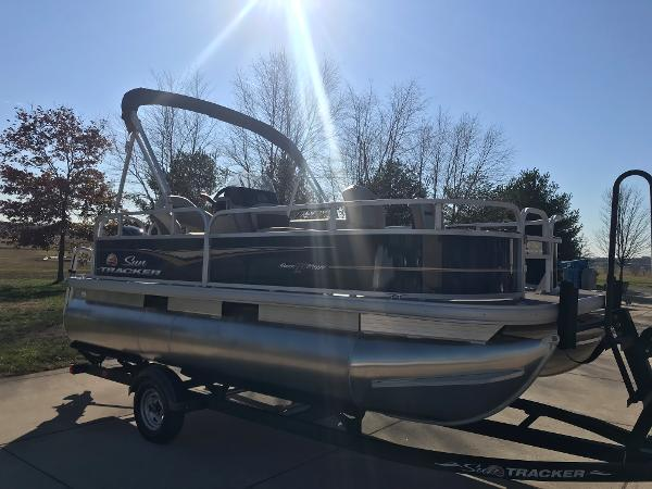 2021 Sun Tracker boat for sale, model of the boat is BASS BUGGY 16 XL SELECT & Image # 10 of 45