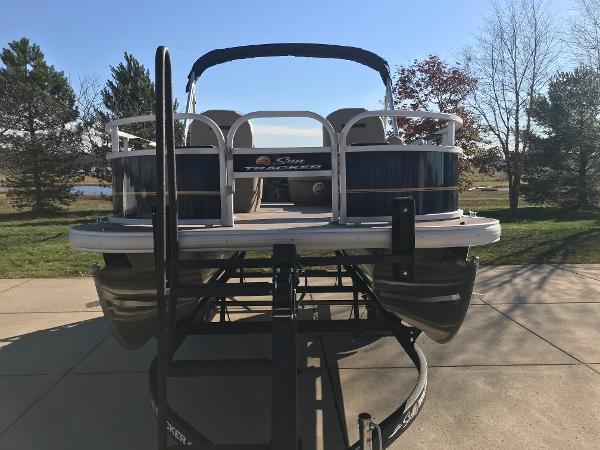 2021 Sun Tracker boat for sale, model of the boat is BASS BUGGY 16 XL SELECT & Image # 12 of 45