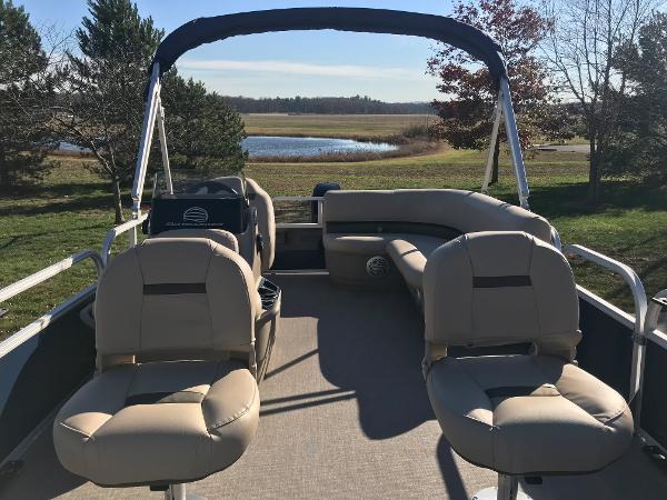 2021 Sun Tracker boat for sale, model of the boat is BASS BUGGY 16 XL SELECT & Image # 13 of 45
