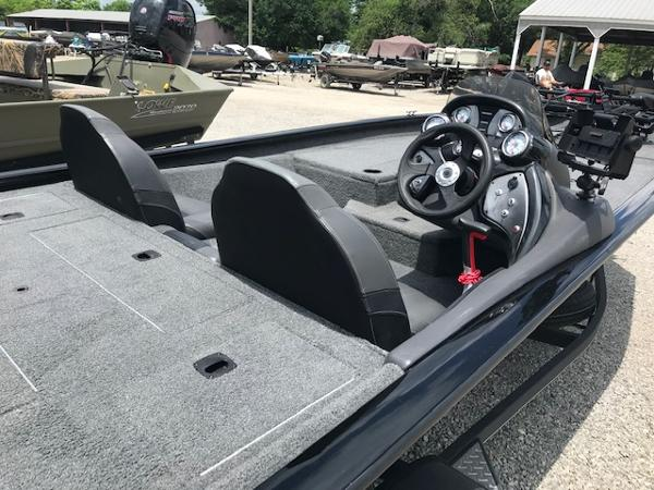 2019 Tracker Boats boat for sale, model of the boat is Pro Team 190 & Image # 8 of 11