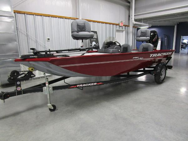 2021 Tracker Boats boat for sale, model of the boat is Pro 170 & Image # 4 of 30