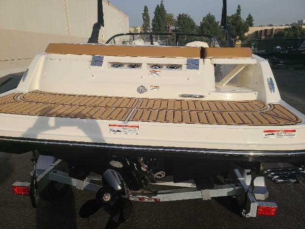 2021 Bayliner boat for sale, model of the boat is VR5 Bowrider I/O & Image # 3 of 19
