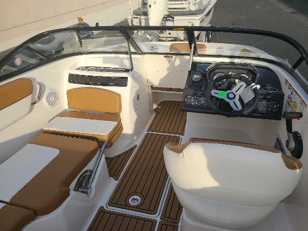 2021 Bayliner boat for sale, model of the boat is VR5 Bowrider I/O & Image # 6 of 19
