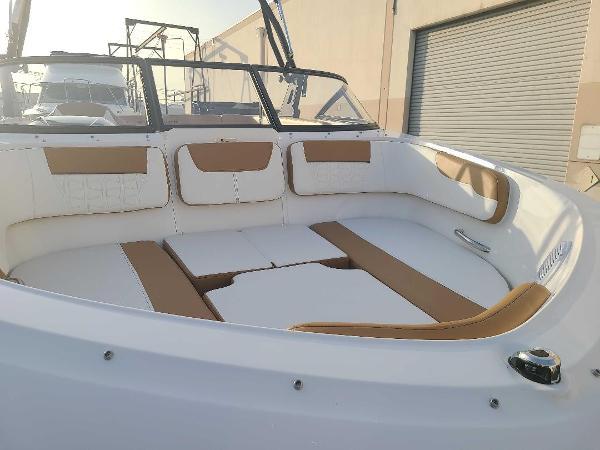 2021 Bayliner boat for sale, model of the boat is VR5 Bowrider I/O & Image # 7 of 19