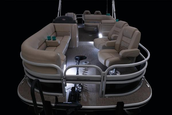 2021 Ranger Boats boat for sale, model of the boat is 223FC & Image # 2 of 26
