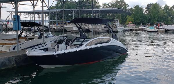 2019 Yamaha Boats 275SE