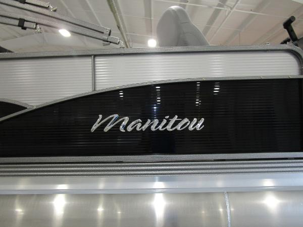 2021 Manitou boat for sale, model of the boat is SL 23 Oasis SHP 373 & Image # 3 of 43