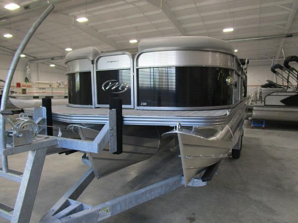 2021 Manitou boat for sale, model of the boat is SL 23 Oasis SHP 373 & Image # 8 of 43
