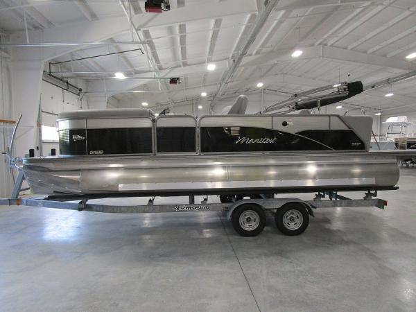 2021 Manitou boat for sale, model of the boat is SL 23 Oasis SHP 373 & Image # 10 of 43