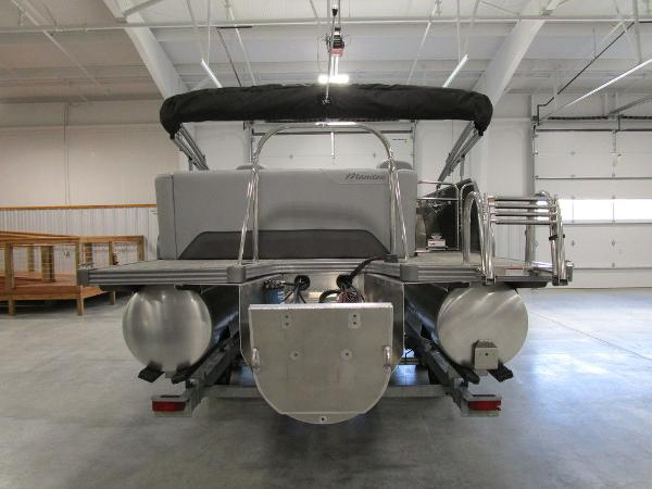 2021 Manitou boat for sale, model of the boat is SL 23 Oasis SHP 373 & Image # 13 of 43