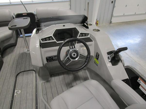 2021 Manitou boat for sale, model of the boat is SL 23 Oasis SHP 373 & Image # 32 of 43