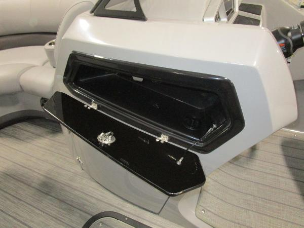 2021 Manitou boat for sale, model of the boat is SL 23 Oasis SHP 373 & Image # 33 of 43