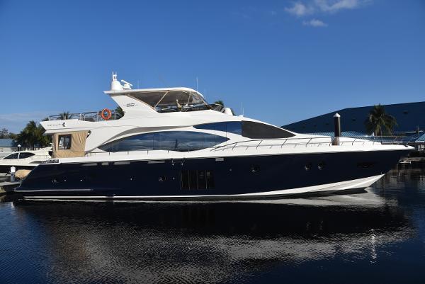 2011 AZIMUT 82 Motor Yacht thumbnail