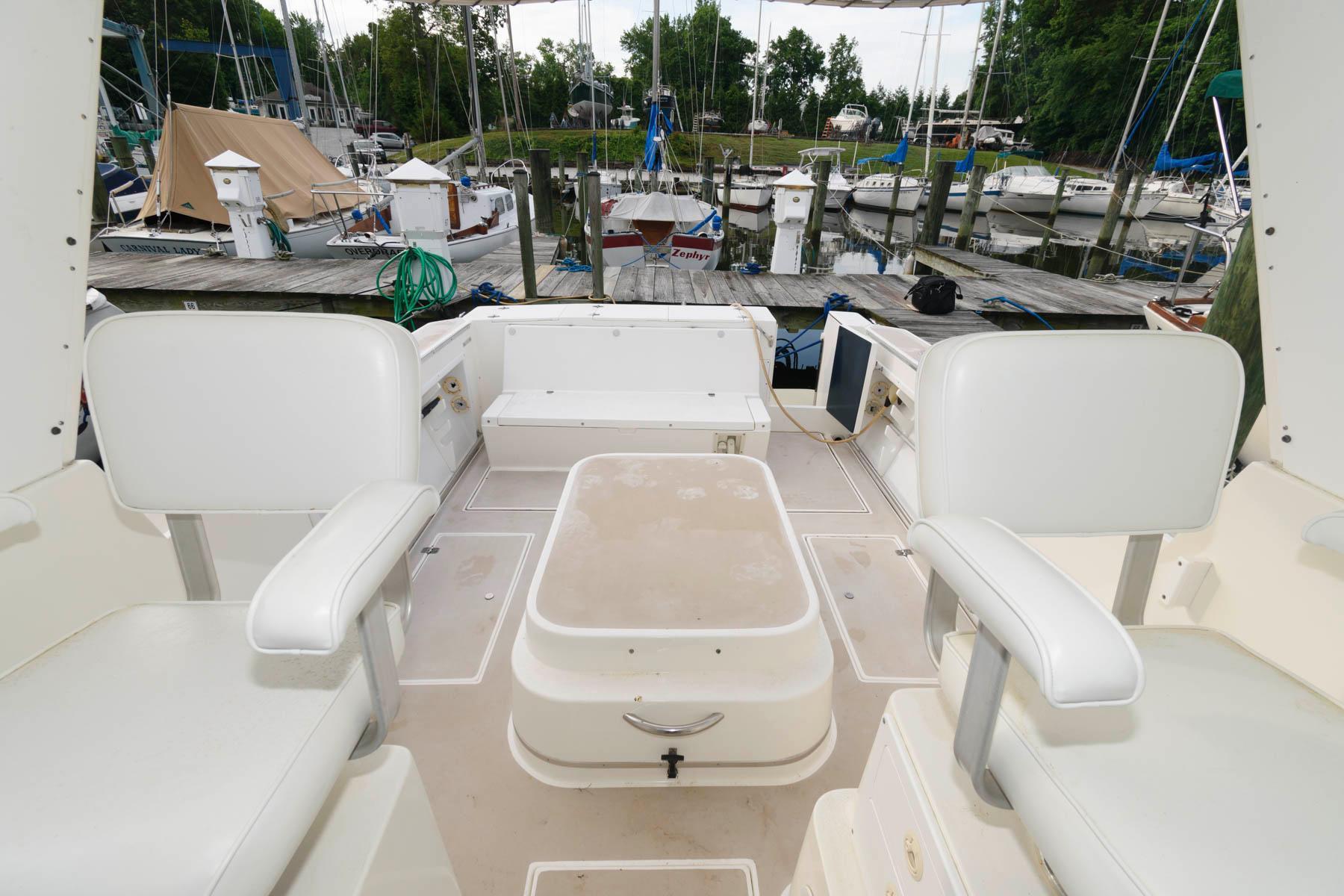 M 6192 VR Knot 10 Yacht Sales