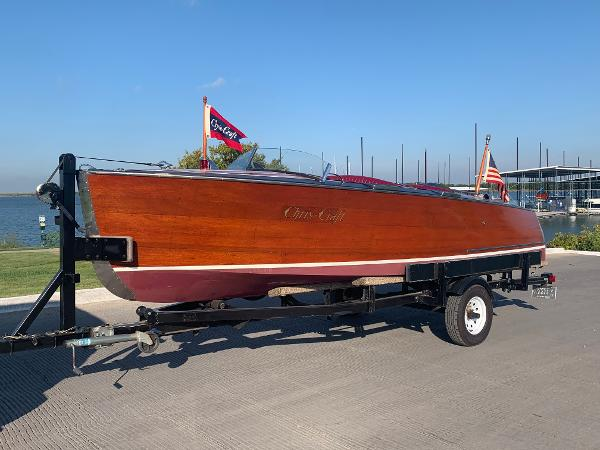 1938 CHRIS - CRAFT 17 DELUXE RUNABOUT thumbnail