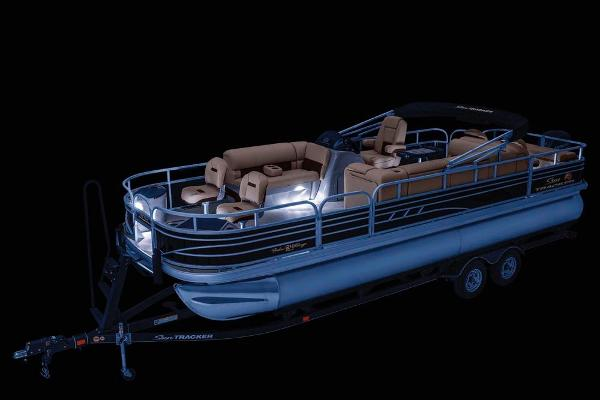 2021 Sun Tracker boat for sale, model of the boat is Fishin' Barge 24 DLX & Image # 5 of 16