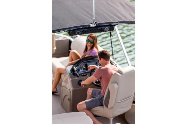 2021 Sun Tracker boat for sale, model of the boat is Fishin' Barge 24 DLX & Image # 16 of 16