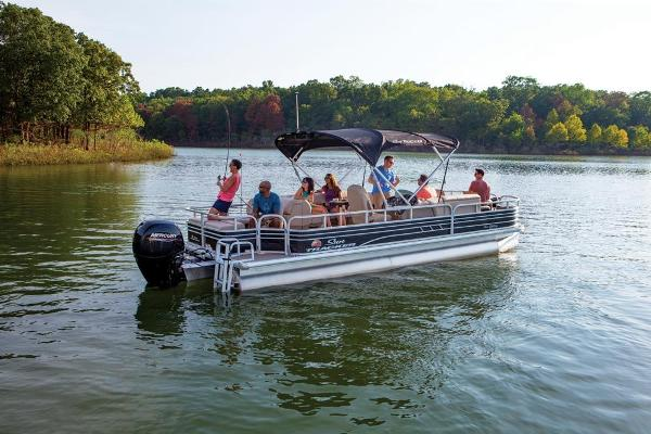 2021 Sun Tracker boat for sale, model of the boat is Fishin' Barge 24 DLX & Image # 3 of 16
