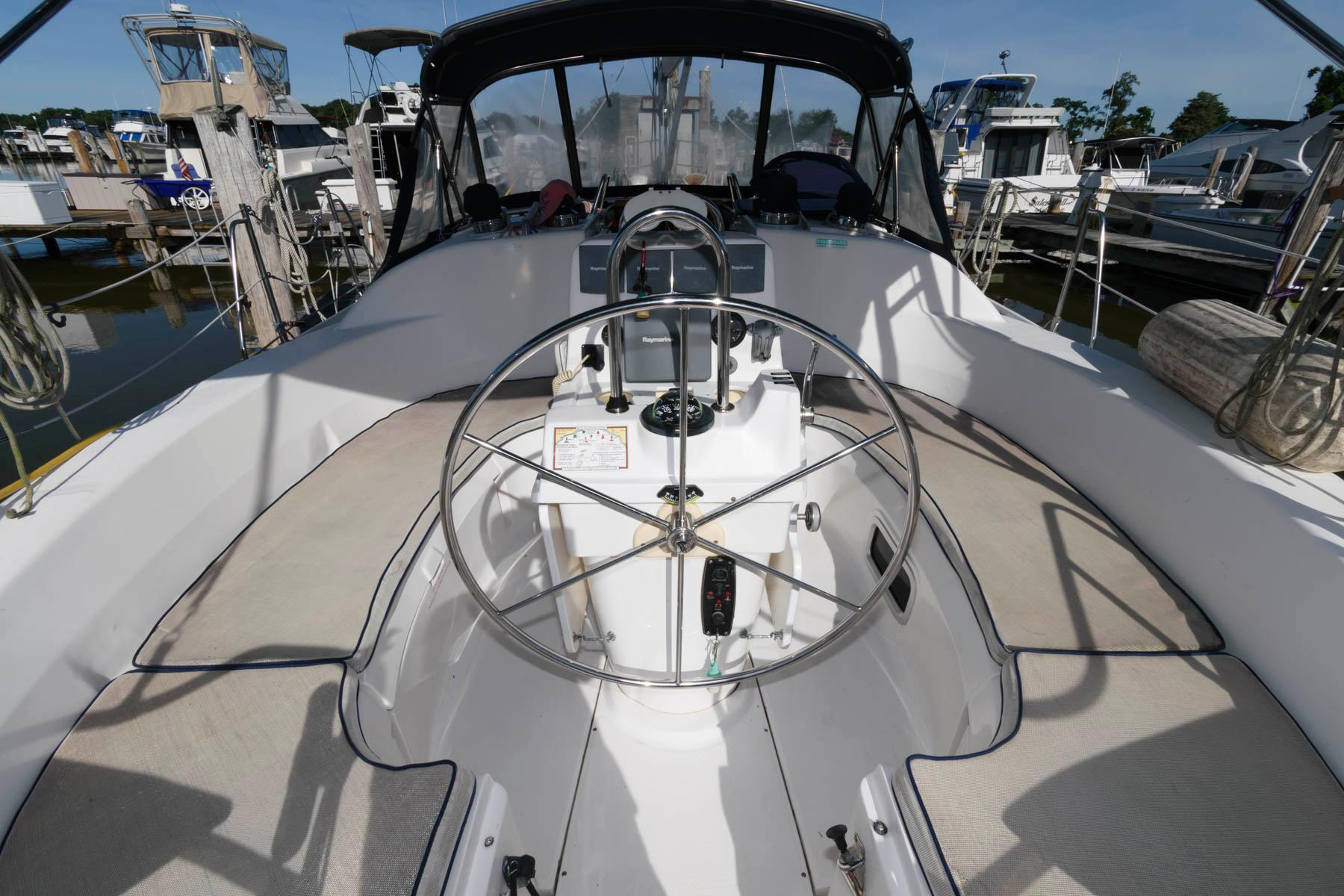 M 6234 MD Knot 10 Yacht Sales