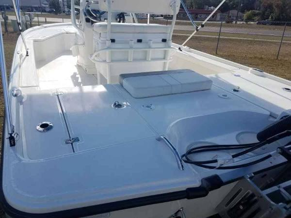 2020 Mako boat for sale, model of the boat is 21 LTS & Image # 7 of 16