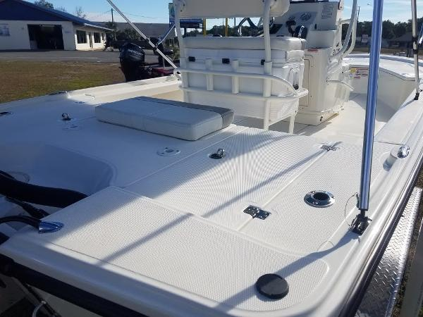 2020 Mako boat for sale, model of the boat is 21 LTS & Image # 9 of 16