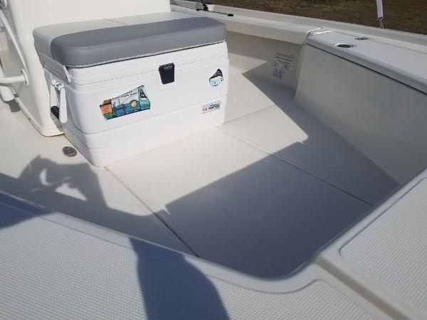 2020 Mako boat for sale, model of the boat is 21 LTS & Image # 14 of 16