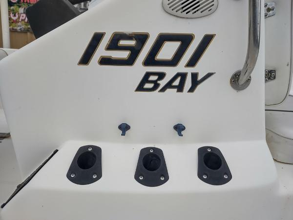 1999 Century boat for sale, model of the boat is 1901 Center Console & Image # 3 of 18