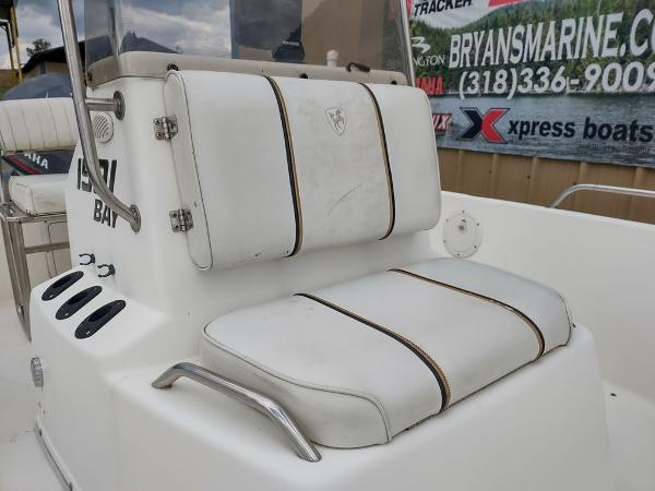 1999 Century boat for sale, model of the boat is 1901 Center Console & Image # 4 of 18