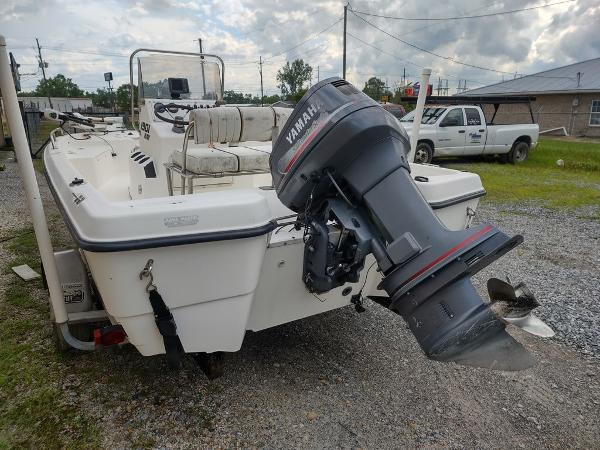 1999 Century boat for sale, model of the boat is 1901 Center Console & Image # 12 of 18