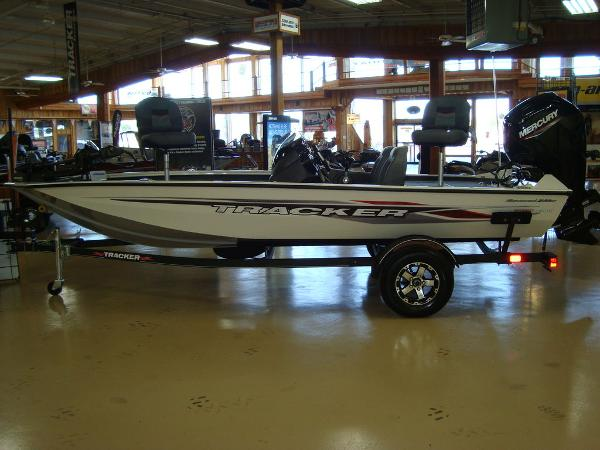 2021 Tracker Boats boat for sale, model of the boat is Pro Team 175 TXW® Tournament Ed. & Image # 1 of 16
