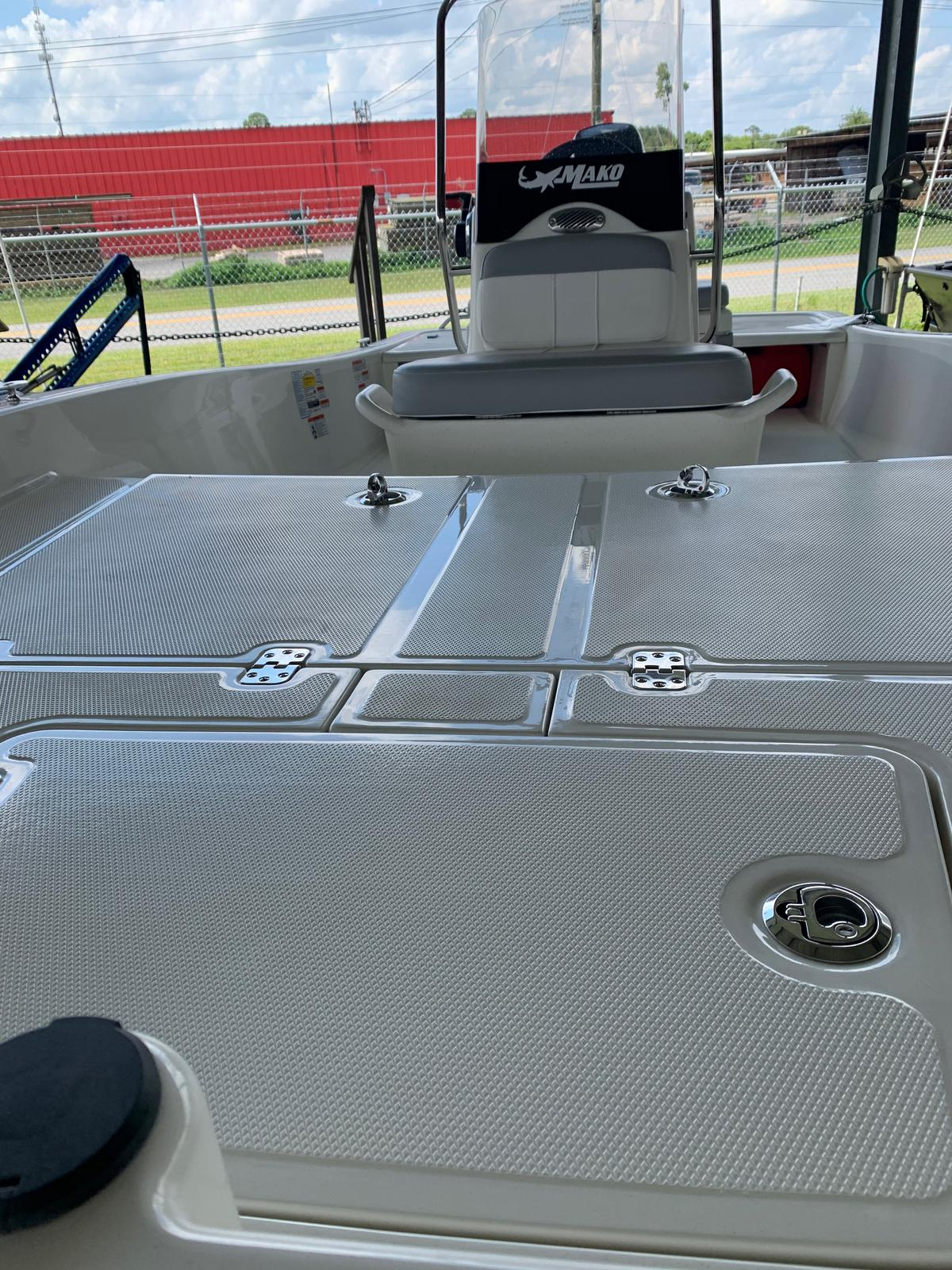 2020 Mako boat for sale, model of the boat is Pro Skiff 15 CC & Image # 10 of 46