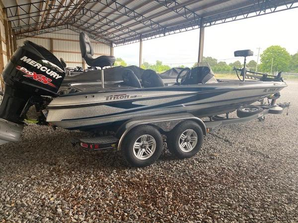 2018 Triton boat for sale, model of the boat is 21 TRX & Image # 3 of 8