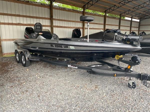 2018 Triton boat for sale, model of the boat is 21 TRX & Image # 1 of 8