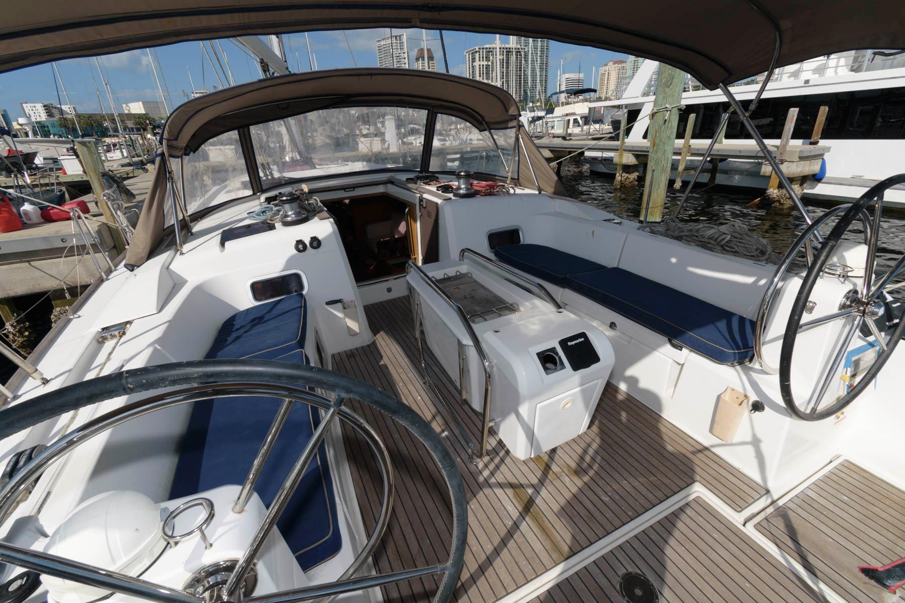 F 5313 SK Knot 10 Yacht Sales