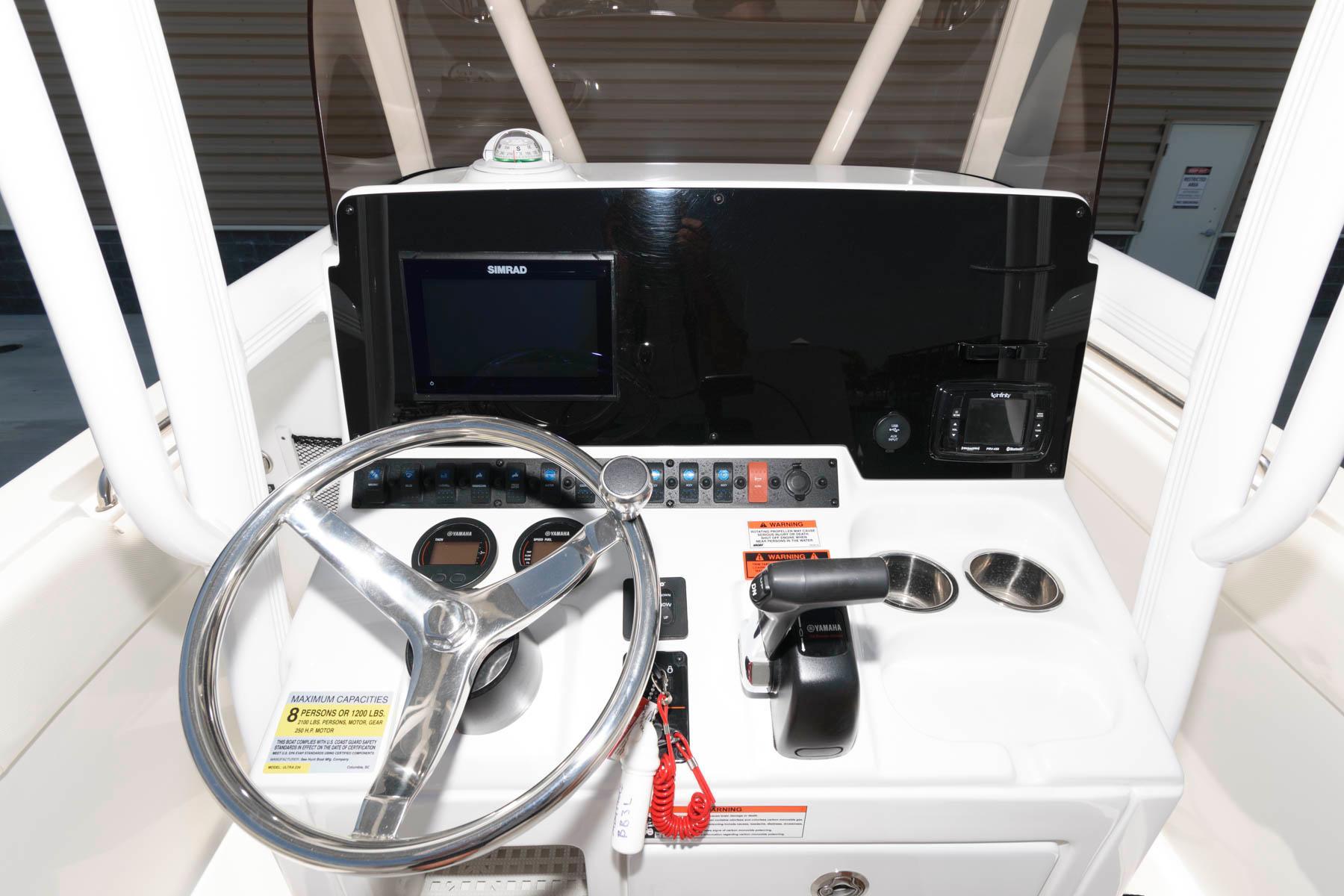 M 6207 TW Knot 10 Yacht Sales