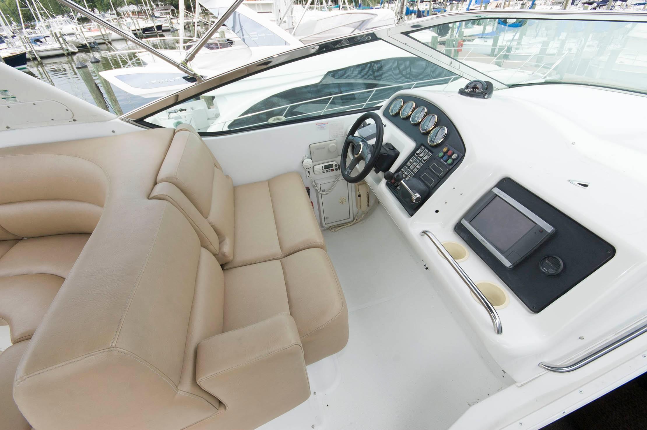 M 5528 KB Knot 10 Yacht Sales