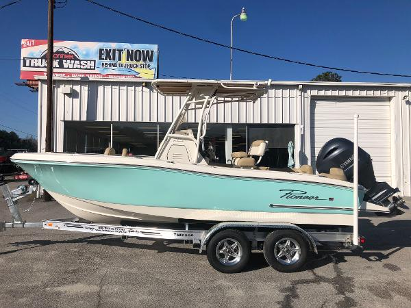 2021 Pioneer boat for sale, model of the boat is 202 Islander & Image # 7 of 26