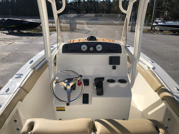 2021 Pioneer boat for sale, model of the boat is 202 Islander & Image # 9 of 26