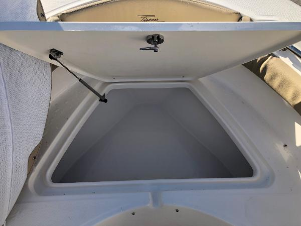 2021 Pioneer boat for sale, model of the boat is 202 Islander & Image # 15 of 26