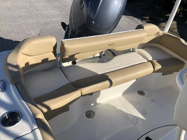2021 Pioneer boat for sale, model of the boat is 202 Islander & Image # 22 of 26