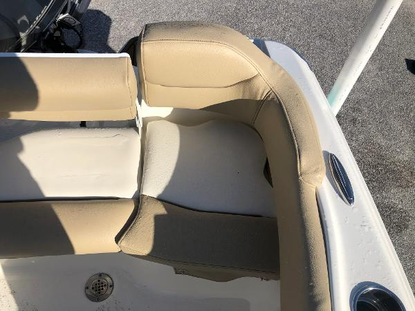 2021 Pioneer boat for sale, model of the boat is 202 Islander & Image # 24 of 26