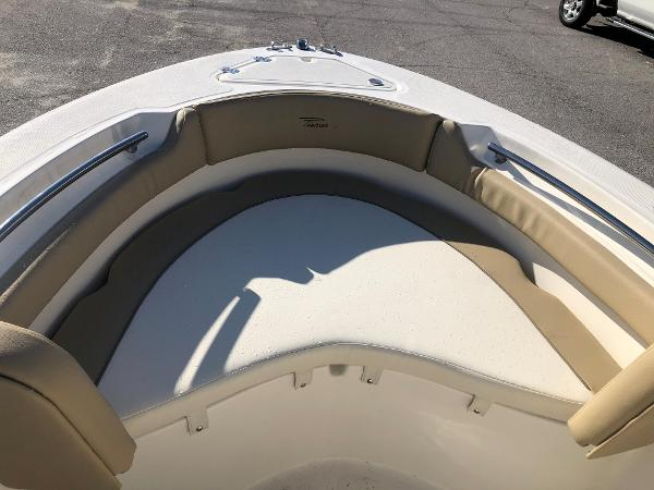 2021 Pioneer boat for sale, model of the boat is 202 Islander & Image # 13 of 26
