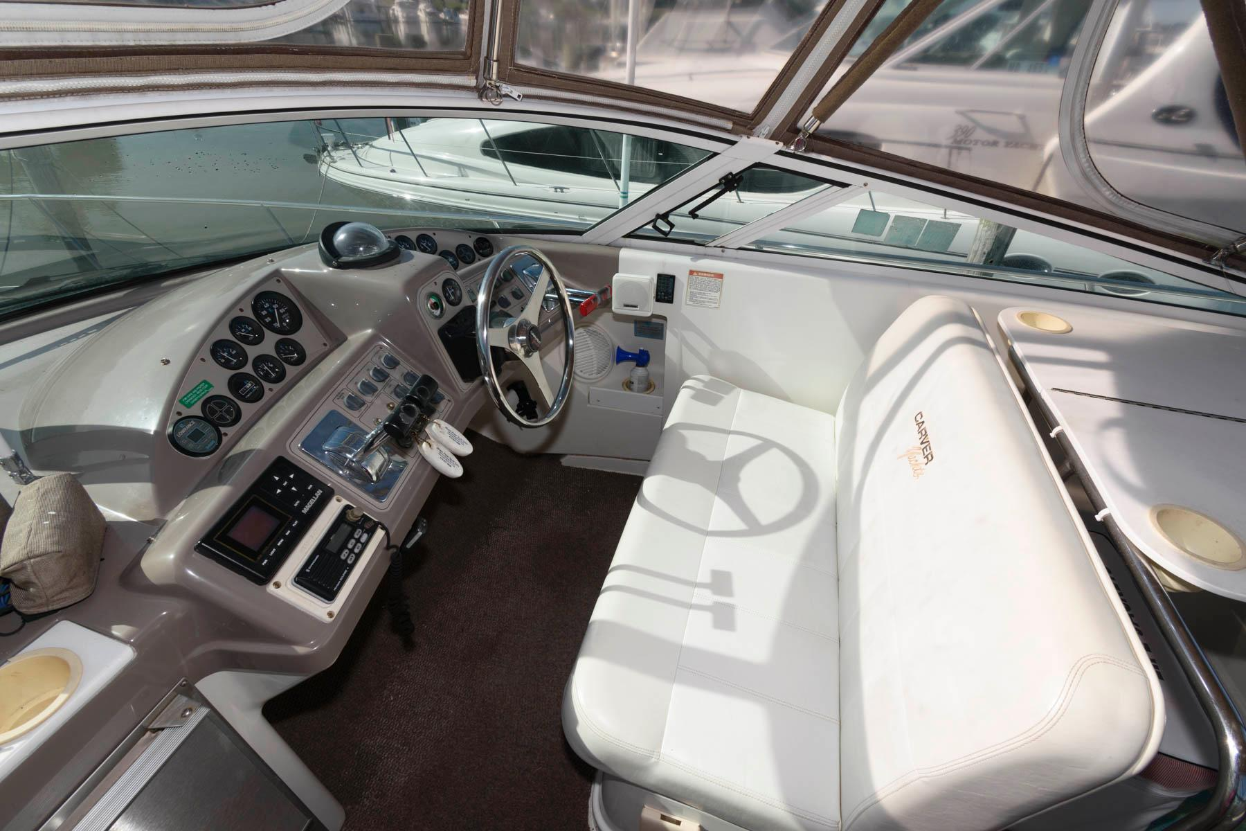 M 6237 MD Knot 10 Yacht Sales
