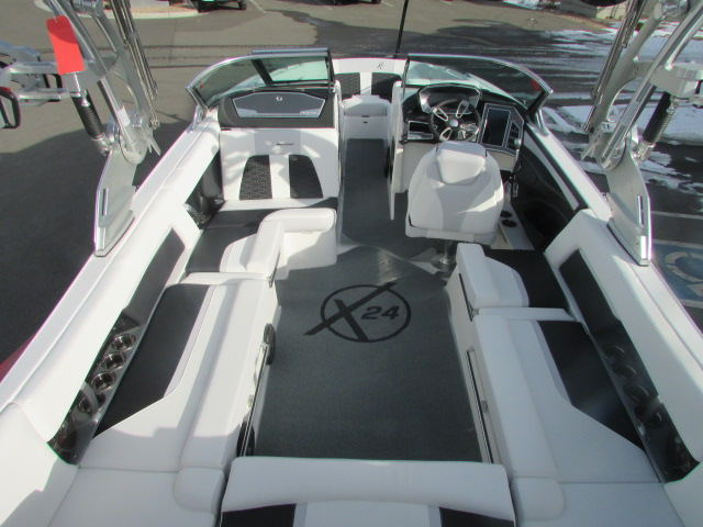 2021 Mastercraft boat for sale, model of the boat is X24 & Image # 10 of 12