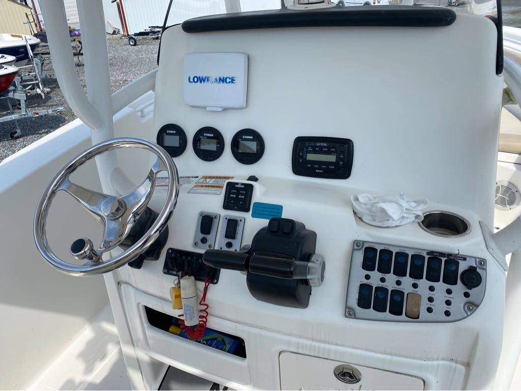 2016 Nautic Star boat for sale, model of the boat is 28 XS & Image # 10 of 19
