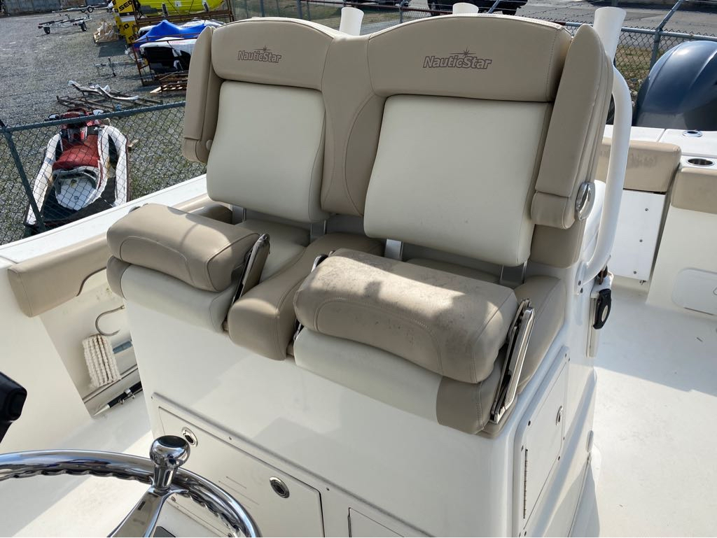 2016 Nautic Star boat for sale, model of the boat is 28 XS & Image # 7 of 19